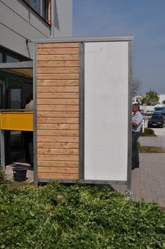 Kültéri fal prototípusa a Wolf Bavaria székháza előtt.