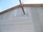 A tetőszerkezet alá épített hangszigetelő réteg teljesen kész állapotban.