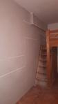 Végül a galériát visszaépítettük a már hangszigetelt falhoz